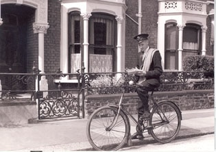 Postman_and_Bicycle_small_version_0